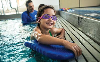 girl at swim lessons